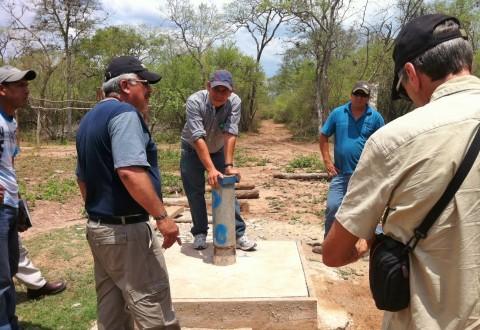 Dotación de agua potable a las comunidades indígenas guaraníes de El Espino y El Carmen, en el Chaco Boliviano
