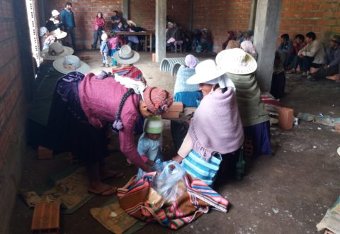 """""""Dotación de agua potable a la comunidad indígena quechua de Jatún Rumi, municipio de Colomi, Bolivia"""""""