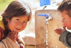 """""""Para el desarrollo de comunidades de Bolivia"""""""